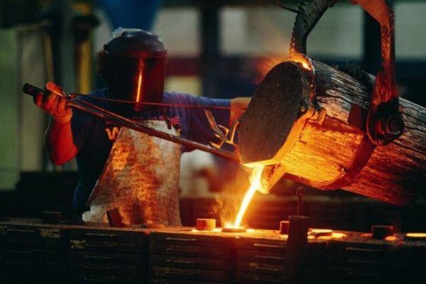 industria-del-acero-en-la-carraplana-696x464