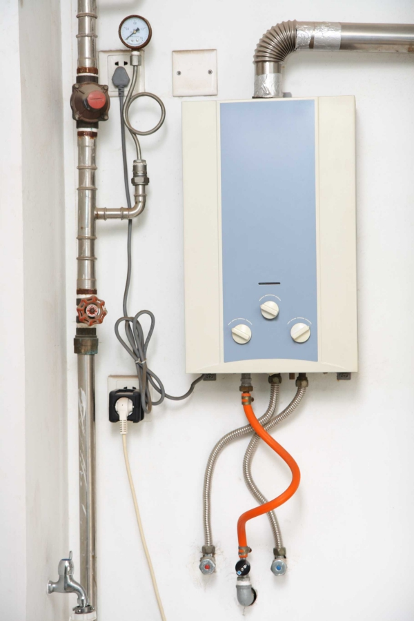 tankless-hot-water-heater-117612314-5993160baad52b0011e2e42b