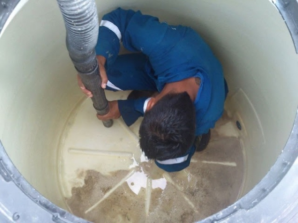 limpieza-desinfeccion-tanque-agua-certificado-habilitacion-d_nq_np_842381-mla26857004542_022018-f