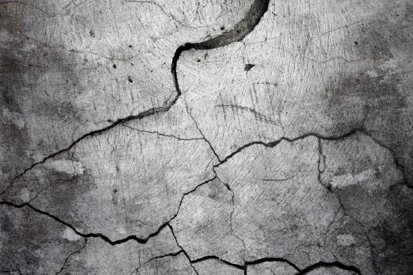 cracked-concrete-4