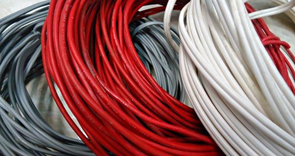 instalaciones-electricas-residenciales-rollos-de-cables