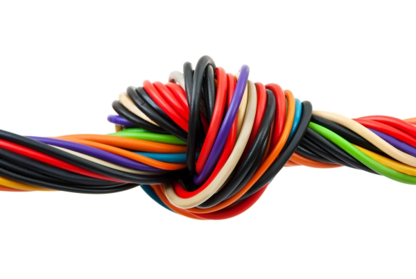 Computer cable with knot