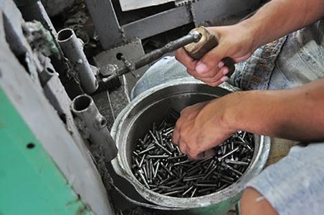fabricacion-clavos-entrada